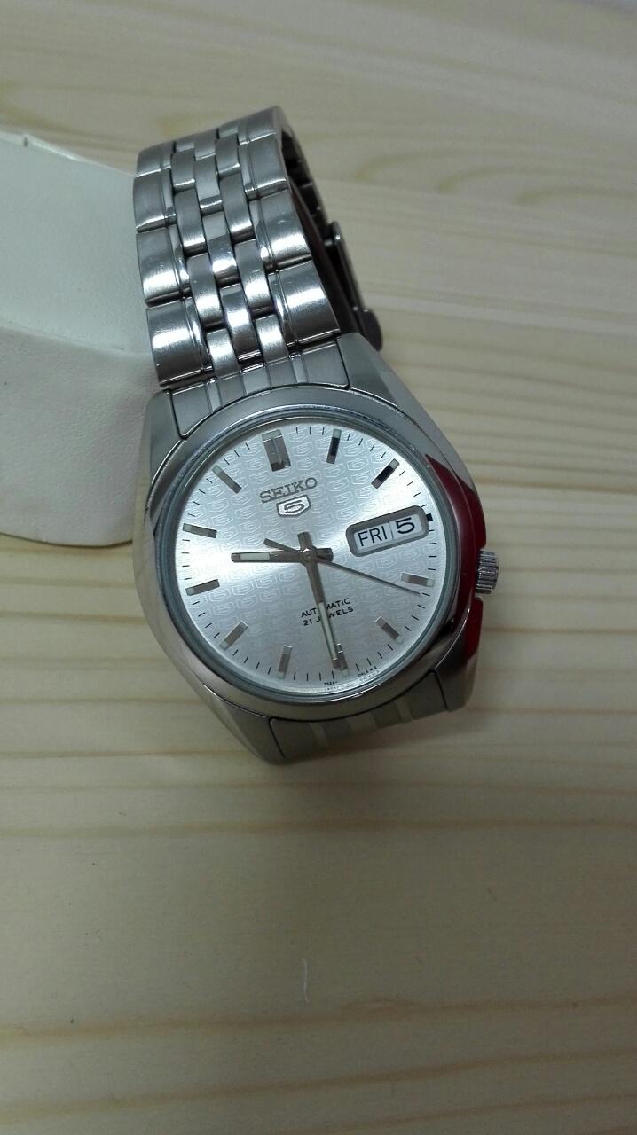 SEIKO5はどこにでも使える万能腕時計で1本は持っておくべき